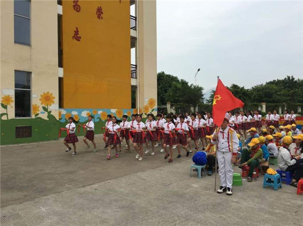 福清市深入开展 向国旗敬礼 主题教育活动