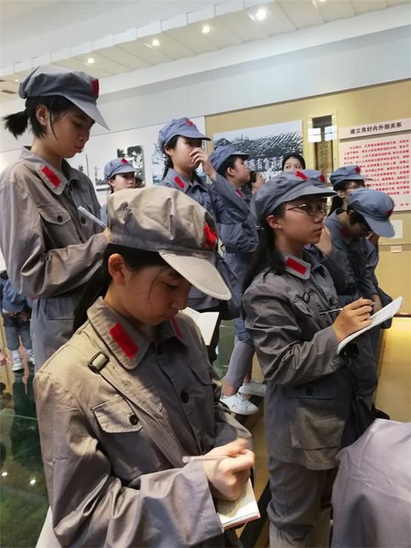 """福州组织开展""""红色追忆之旅""""暑期实践活动"""
